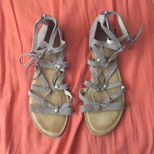 Shoes - Dolce Vita sandals! ⭐️